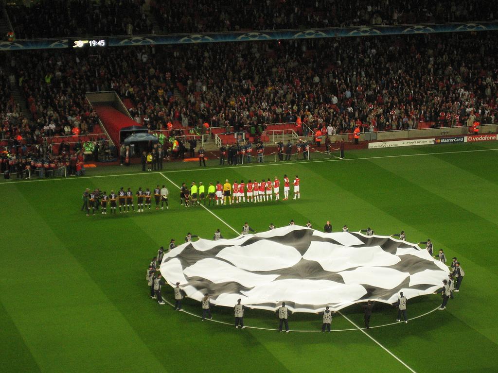 Футбол - Лига чемпионов УЕФА: как попадают в Лигу, сколько получают клубы, спонсоры, трофей, таблица побед